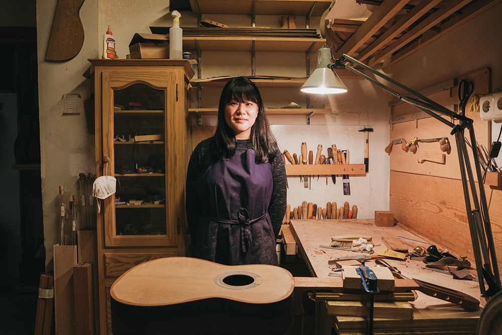 The Korean luthier keeping one of Spain's disappearing traditional alive